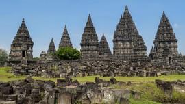 Kini Turis Bisa Berburu Panorama Pagi di Candi Prambanan
