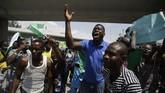 Penduduk Nigeria berunjuk rasa besar-besaran menuntut pembubaran dan pengusutan kasus kekerasan yang dilakukan polisi.