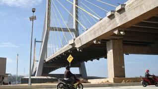 Jokowi Resmikan Jembatan Teluk Kendari di Sultra