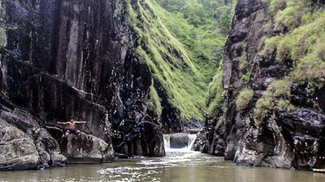Ada banyak leuwi yang bisa dikunjungi di Kabupaten Garut, Jawa Barat.