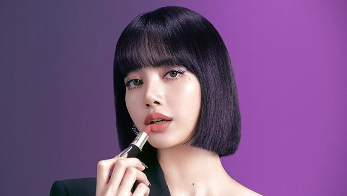 Lisa BLACKPINK, Artis Kpop Pertama Jadi Brand Ambassador Terbaru MAC Cosmetics!
