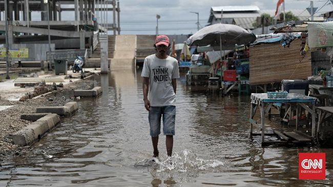 Wagub DKI Jakarta Ahmad Riza Patria mengatakan pihaknya menampung semua masukan terkait penanganan banjir.