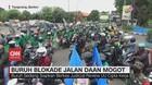 VIDEO: Buruh Blokade Jalan Daan Mogot Tangerang