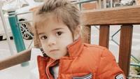 <p>Nah, kalau Zenecka saat ini genap berusia 2 tahun. Tak cuma ganteng, anak bungsu Carissa ini juga imut dan menggemaskan. (Foto: Instagram @carissa_puteri)</p>