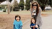 <p>Saat ini, Carissa Puteri sedang berada di Australia bersama dua buah hatinya. (Foto: Instagram @carissa_puteri)</p>