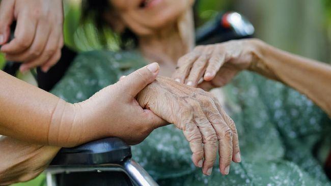 Tak hanya lumpuh, stroke juga menimbulkan beberapa gejala lain yang kerap tak disadari seperti kesulitan untuk berbicara dan memori pendek.