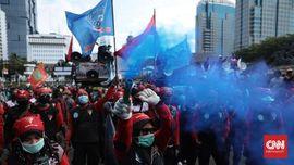 Buruh Demo di Gedung Sate Bandung, Tuntut Kenaikan UMP 2021