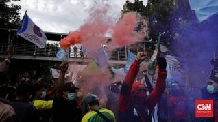 Ikrar Buruh di Demo Omnibus Law: Bekerja Tanpa Perbudakan