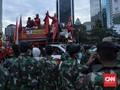 TNI Ikut Bantu Bubarkan Massa Aksi Omnibus Law di Jakarta