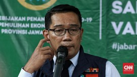 Ridwan Kamil Masih Kaji Sanksi Tolak Vaksin bagi Warga Jabar