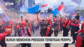 VIDEO: Buruh Memohon Jokowi Terbitkan Perppu
