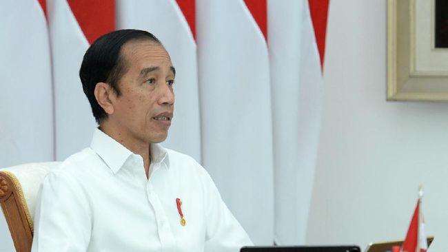 Jokowi memberlakukan biaya pendaftaran sebesar Rp9 juta bagi akuntan asing yang ajan beroperasi di Indonesia selama 3 tahun.