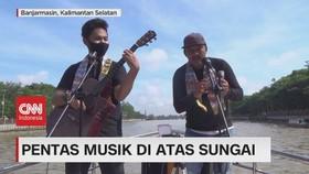 VIDEO: Pentas Musik di Atas Sungai