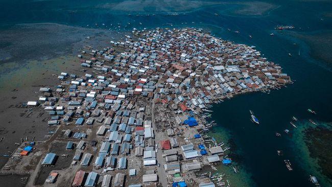 Pulau Bungin merupakan pemukiman terpadat di dunia yang secara administratif merupakan salah satu desa di Kabupaten Sumbawa, Nusa Tenggara Barat, Indonesia.