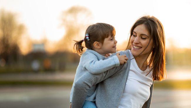 10 Tips Single Parent Jadi Ortu Tangguh Besarkan Anak Sendirian