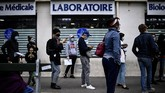 Dengan jumlah kasus positif Covid-19 mencapai lebih dari satu juta, Prancis kini tengah menghadapi gelombang kedua virus corona.