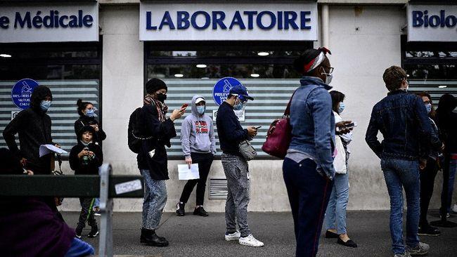 Amerika Serikat mencatat rekor harian infeksi virus corona sebanyak 102.831 kasus baru pada Rabu (4/11) di tengah proses pemilihan umum.