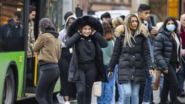 FOTO: Swedia Tetap Tolak Pakai Masker di Tengah Pandemi