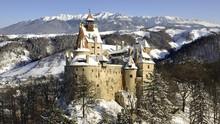 Vaksin di Kastil Drakula Gratis Masuk ke 'Ruang Penyiksaan'
