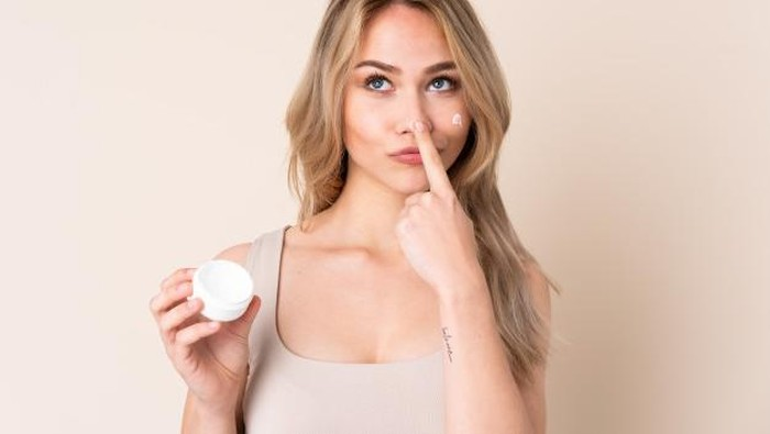 Berhenti dari Produk Skincare Dokter? Ini Langkah Anti Breakoutnya