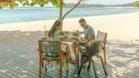 <p>Menepi dari hiruk pikuk kehidupan Jakarta, Shandy Aulia bersama sang suami, David Herbowo, dan buah hati mereka, Claire Herbowo, sementara waktu menetap di Bali, Bunda(Foto: Instagram @shandyaulia)</p>