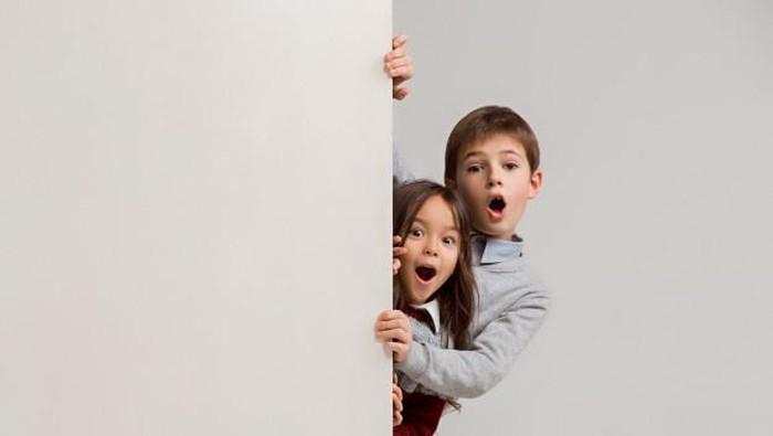Anak Masuk Kamar Saat Orangtua Sedang Berhubungan, Apa yang Harus Dilakukan?