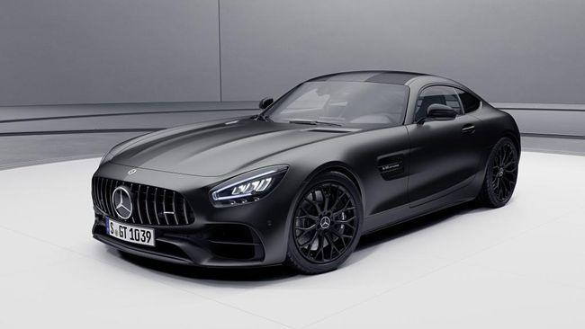 Menurut laporan vlogger Rusia itu protes pada dealer Mercedes-Benz yang tidak mau memperbaiki mobilnya.
