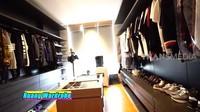 <p>Nikita Willy dan Indra Priawan menyimpan koleksi fashion mereka di ruangan khusus. <em>Wardrobe</em> tersebut dilengkapi dengan berbagai macam outfit mewah dari brand kelas dunia. (Foto: YouTube TRANS7 OFFICIAL)</p>