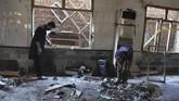Sebanyak 7 pelajar meninggal dan 112 orang luka akibat ledakan bom di sebuah madrasah di pinggiran kota Peshawar, Pakistan.