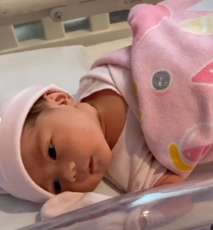 Meski demikian, Raiyah berhasil melahirkan dengan selamat, serta bayi mereka sehat.