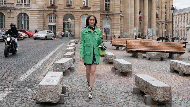 Dari soal apartemen hingga percintaan, dalam kehidupan nyata perantau rasanya tak semudah yang Emily lakukan dalam serial 'Emily in Paris'.