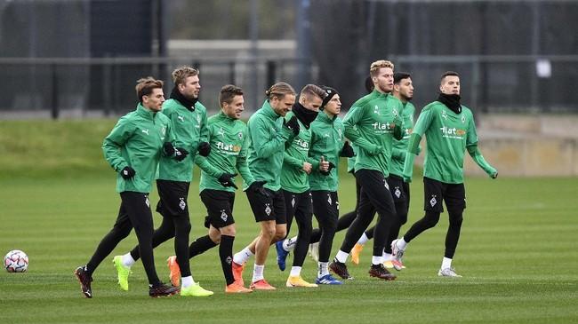 Real Madrid melakukan persiapan terakhir jelang melawan Borussia Monchengladbach dalam perburuan kemenangan pertama di Liga Champions.