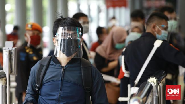 Selain memastikan Stasiun Senen bebas dari calo surat kesehatan, PT KAI menyatakan Daop 1 Jakarta meminta petugas menelusuri dugaan praktik calo rapid test.