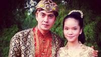 """<p>Di foto ini, Marcelino saat membintangi serial Raden Kian Santang. Ia menulis di caption, """"<em>With My Beloved Daughter in Indonesian TV Series """"Raden Kian Santang"""".</em>"""" (Foto: Instagram @marcellinozhang)</p>"""