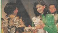 <p>Bunda masih ingat? Monica Oemardi juga pernah menyabet Juara Favorit Gadis Sunsilk 1990. Cantik dan langsing masih awet lho sampai sekarang. (Foto: Instagram @monica_oemardi)</p>