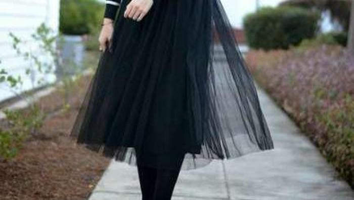 Mix and Match Outfit Hijab dengan Rok Tutu, Chic dan Gak Lebay