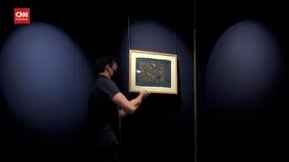 VIDEO: Sotheby Lelang Lembaran Langka Alquran Biru
