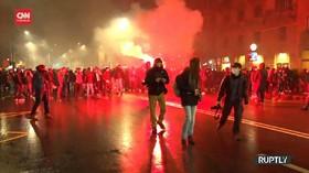 VIDEO: Demo Menolak Aturan Baru Covid-19 di Italia Rusuh