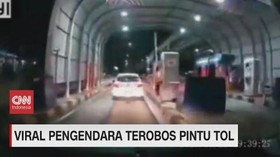 VIDEO: Viral Pengendara Terobos Pintu Tol Jakasampurna Bekasi
