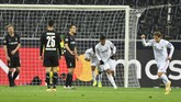 Real Madrid hampir saja mengalami kekalahan saat bertandang ke Borussia Moenchengladbach di Liga Champions, untungnya ada gol telat Benzema dan Casemiro.