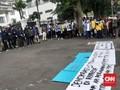 Mahasiswa Demo Ciptaker: Bukan untuk Rusak Fasilitas Negara
