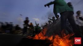 FOTO: Demo Tolak Omnibus Law di Jakarta