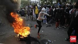 Sempat Ada Pelemparan, Demo Omnibus Law di Patung Kuda Bubar