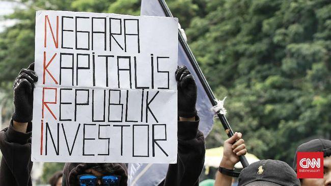 Buruh di Sumut menyebut Pemerintah tak sensitif dengan mengeluarkan edaran soal nihil kenaikan UMP di saat Omnibus Law masih ditolak.