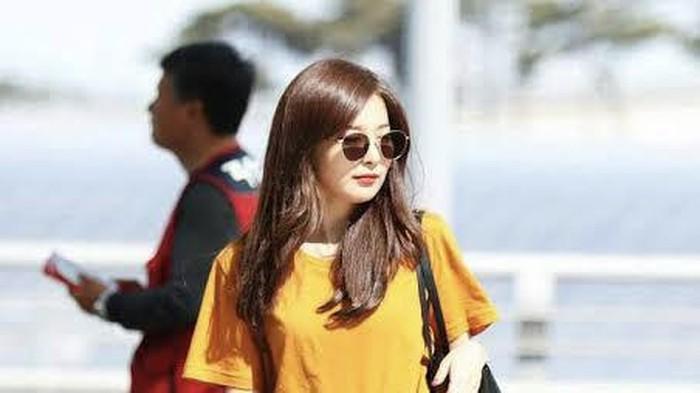 7 Idol K-Pop Wanita yang Tampil Menawan dengan Style Sederhana