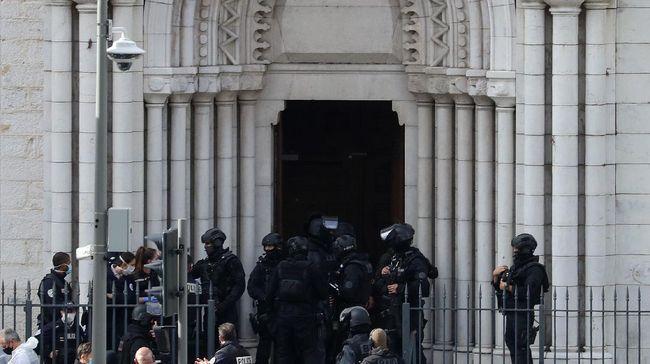 Pelaku penyerangan di gereja itu sempat dikarantina dan diperintahkan keluar dari wilayah Italia sebelum tiba di Prancis.