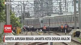 VIDEO: Kereta Jurusan Bekasi-Jakarta Kota Diduga Anjlok
