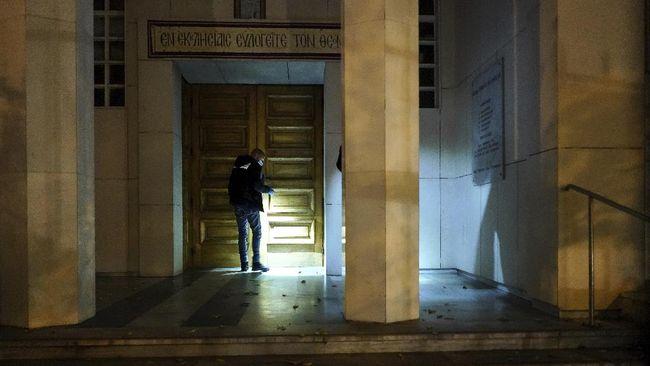 Aksi penembakan terhadap seorang pendeta Gereja Ortodoks Yunani pada Oktober lalu di kota Lyon, Prancis, dipicu kasus perselingkuhan.