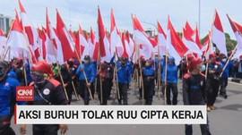 VIDEO: Aksi Demo Buruh Tolak RUU Cipta Kerja