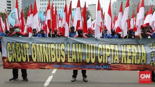 Gerakan Buruh Bersama Rakyat (Gebrak) menyatakan pihaknya masih memperkuat konsolidasi di daerah. Rencana mogok nasional pada 10-12 November 2020 pun ditunda.
